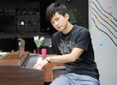 """虎年春晚,天后王菲的一首《传奇》,让词曲作者李健的确红成了一个""""传奇""""。若干年前的唱片随即被卖脱销,..."""
