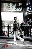 搜狐新韩线讯 因为《家门的荣光》一剧而人气上升的朴施厚,日前为某男性时尚杂志拍摄了一套写真,大展成熟...