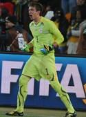 北京时间7月3日凌晨2点30分,第19届南非世界杯展开第二场1/4决赛争夺。在约翰内斯堡足球城体育场...